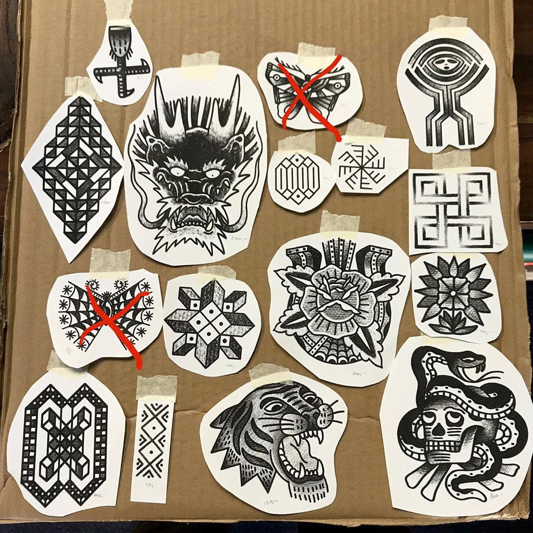 Tänään tatuoinnit ilman ajanvarausta klo11-16. Kuvan mallit ja monta muuta valmiina odottamassa ottajaa. Jos jonoa ilmenee, otan numerosi ja voit mennä odotuksen ajaksi ulos nauttimaan kevät-säästä. #walkintattoohelsinki #tattoohelsinki #helsinkitattoo #polaristattoohelsinki #tatuointiliikehelsinki #tatuoinnithelsinki #mattesaari